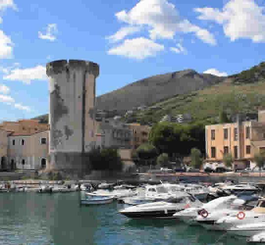 https://www.gajeta.com/wp-content/uploads/2016/03/dintorni_grotte-pastena-540x500.jpg